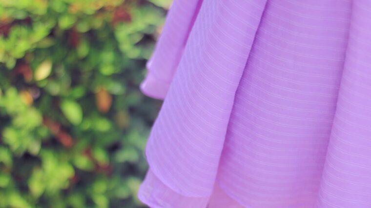 紫色のスカート